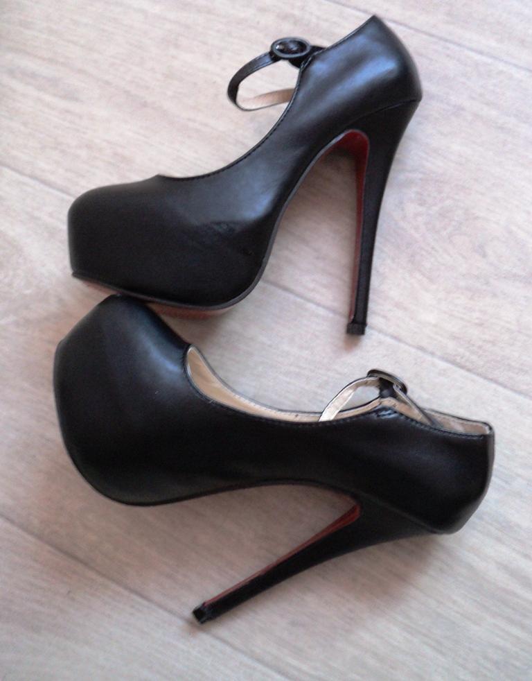 Туфли с застежкой