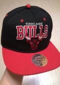 Первая покупка кепки. Chicago Bulls NBA - Mitchell & Ness