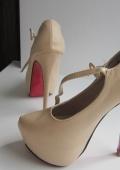 Туфли на высоком каблуке как у  Ким Кардашян!!