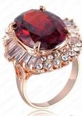 """кольцо с большим красным """"камнем"""""""