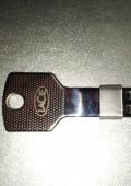 Ключик флешка 16 гб.