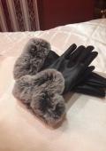 черные кожаные перчатки)