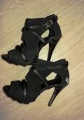 Туфельки прекрасны:)