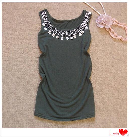 фасон: с поясом на спине. длина одежды: Стандартная длина ( 55 - 65см. декоративная отделка: С бисером.