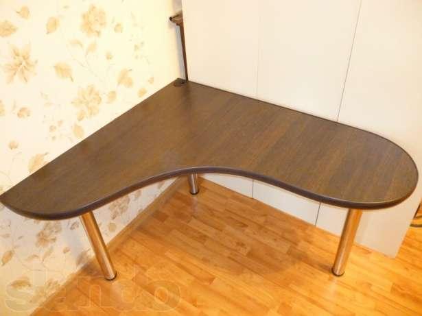 Продам угловой стол в Челябинске / купить, узнать цену на са.