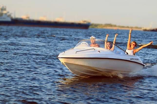 катер лодка delta