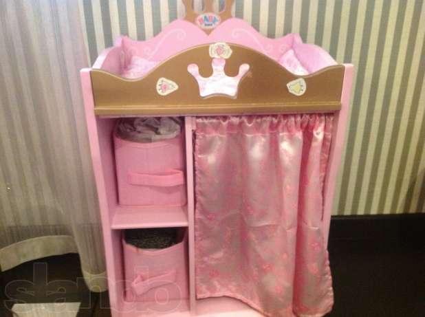Кроватка для куклы, стульчик для кормления, манеж, пеленальный столик, умывальник, интерактивная ванна